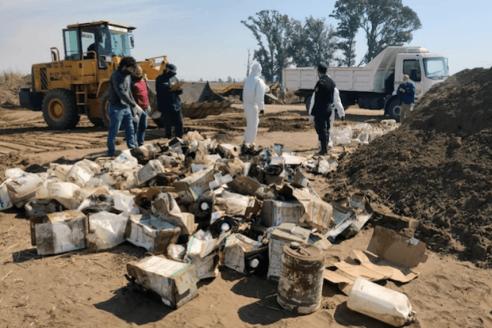 $27 millones por enterrar más de 400 bidones de agroquímicos