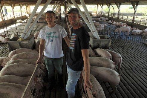 Así crecen en La Delfina, la pequeña granja porcina de la familia Müller en Don Cristóbal