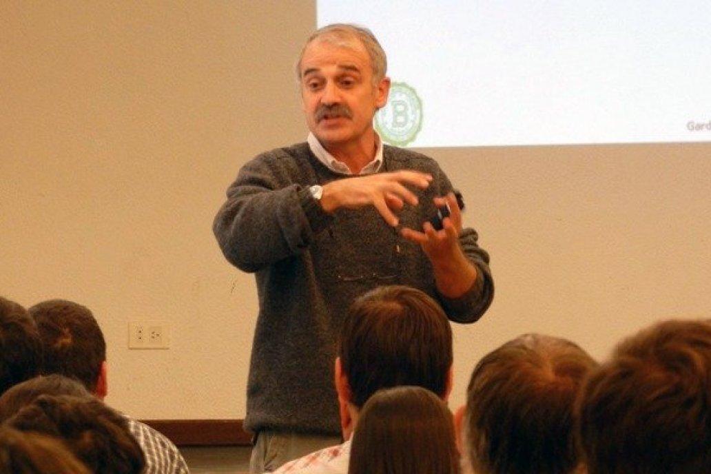 Andrade es experto en el estudio de las bases eco fisiológicas.