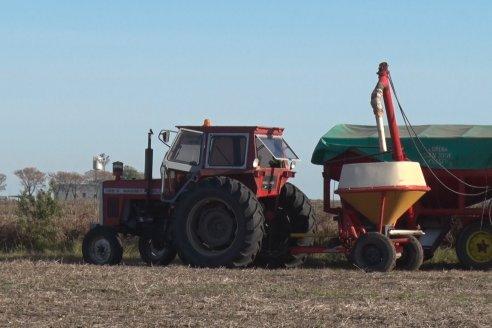 Jornada a Campo - Ensayo Distribución de Fertilizantes - Presentación Fertilizadora de Arrastre FSA 4500 Hidraulica Metalfor
