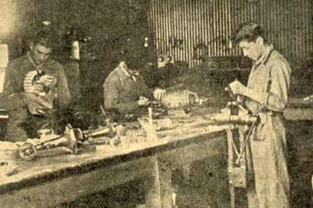 Postal de la escuela de aprendices, hacia mediados de 1950.