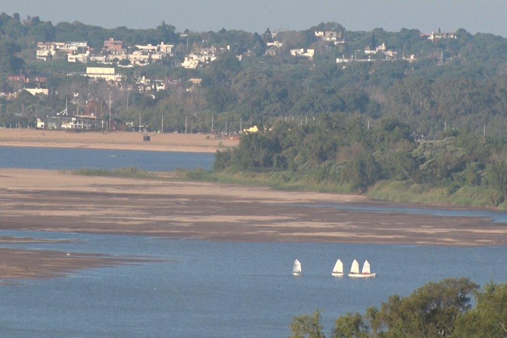 Los bancos de arena no se dejan ver en semejante extensión desde 1969 en Paraná.
