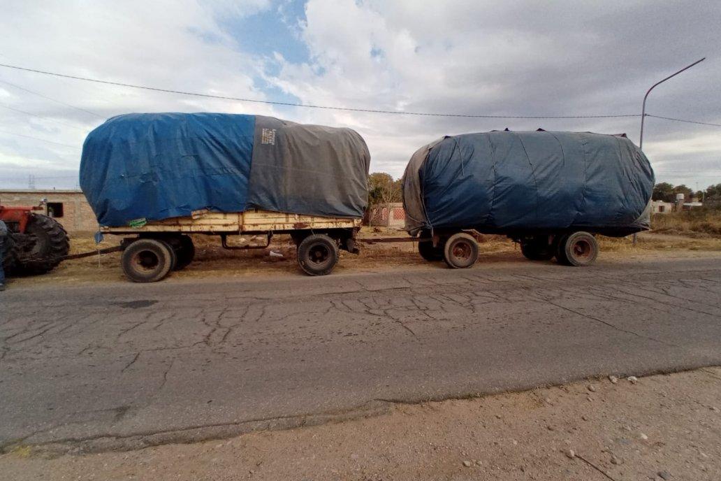 Las cargas son revisadas antes de permitir su transporte.