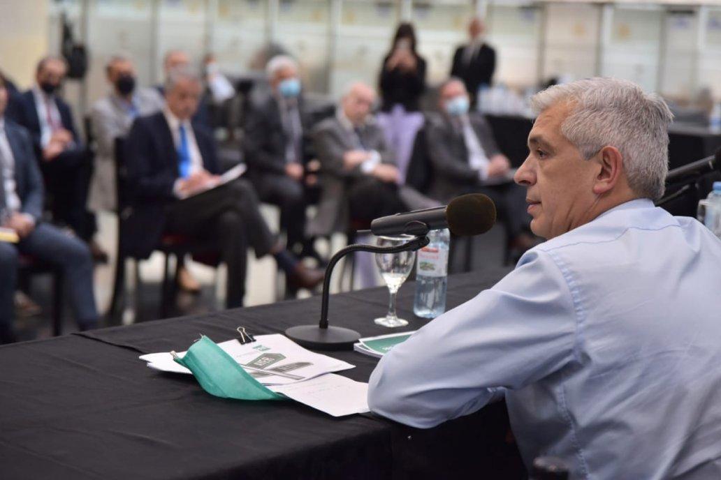 La cita fue este miércoles en la Bolsa porteña y junto al ministro Domínguez.